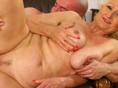 Horny blonde opens wide for a fist-fuck